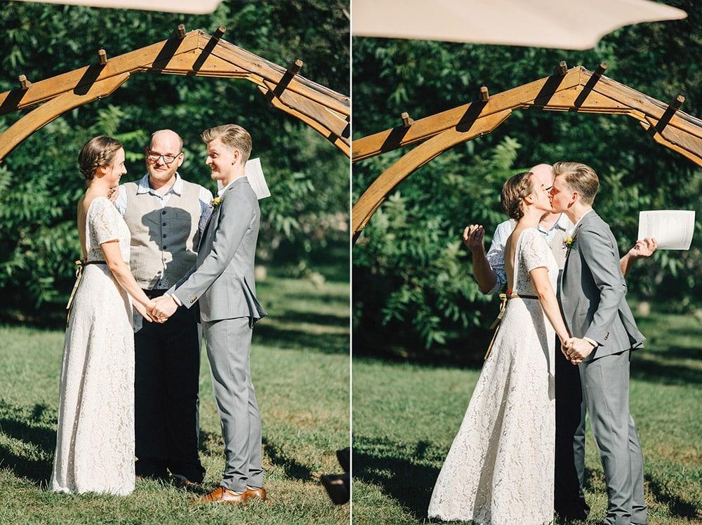 couple kissing at the altar wedding ceremony brahma ridge