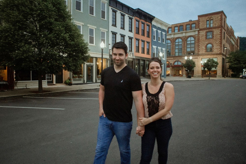 engagement photo downtown