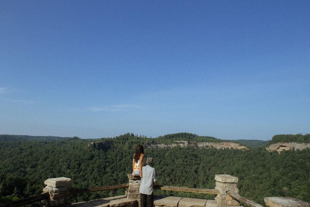 couple at chimney top rock overlook