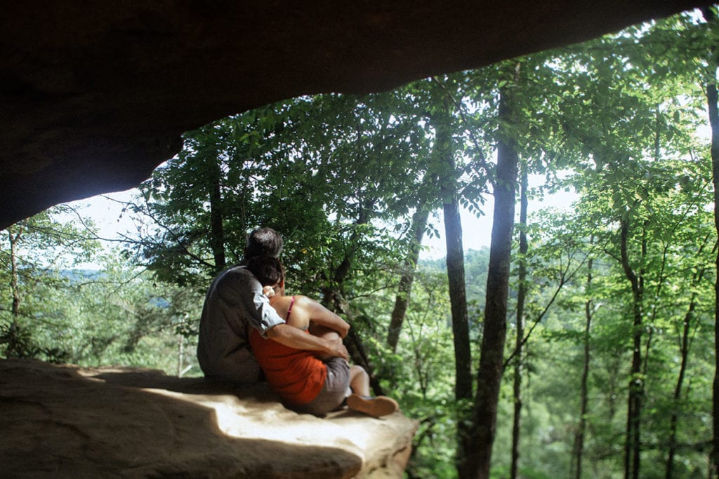 princess arch couples photo red river gorge