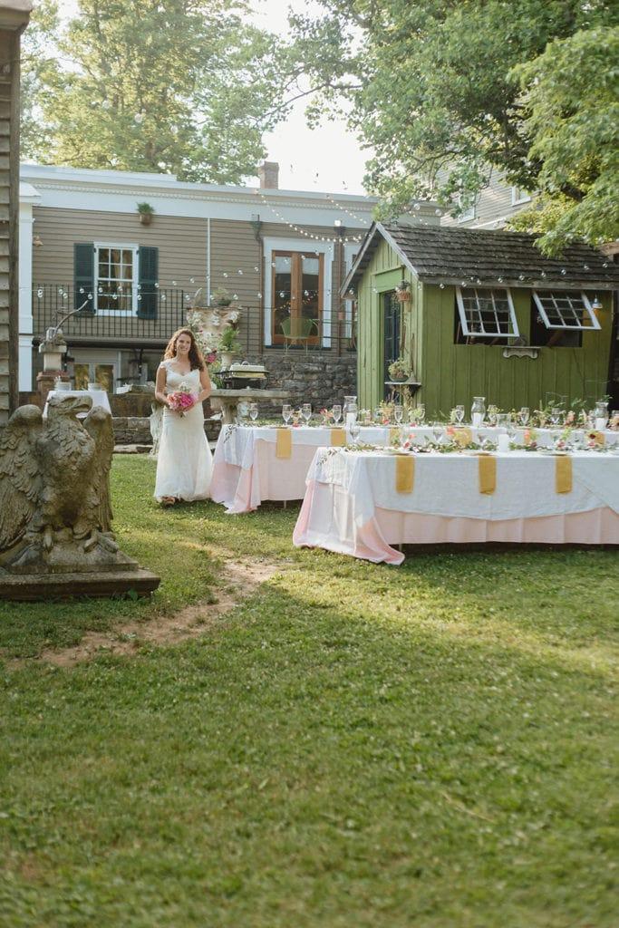 bride backyard wedding